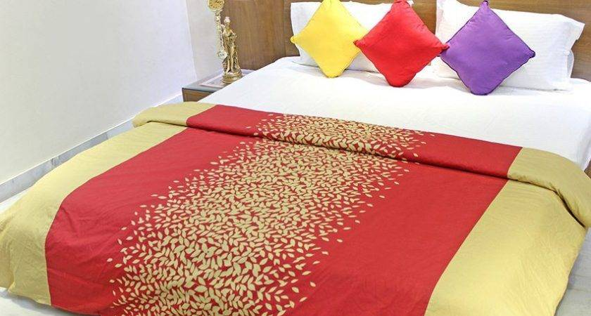 Aurave Red Gold Cotton Comforter Buy