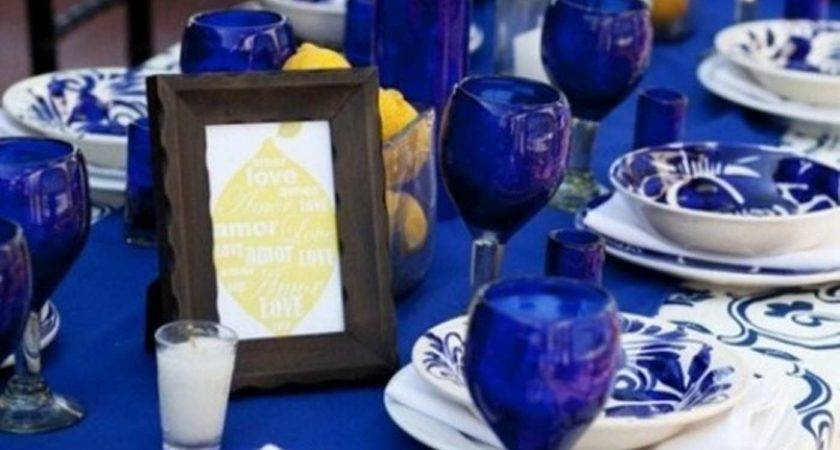 Awesome Blue Winter Table Decor White Tablecloth