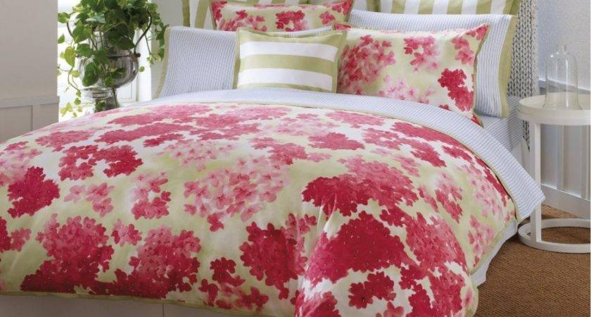 Awesome Floral Bedroom Decoration Flower Themed