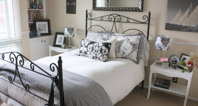 Choose Bedroom Furniture Your Small Guest Room