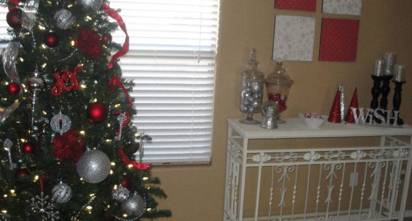 Christmas Decor Red Silver Heart Nap Time