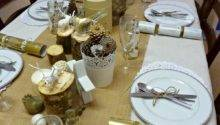 Christy Production Cream Gold Christmas Table Setting