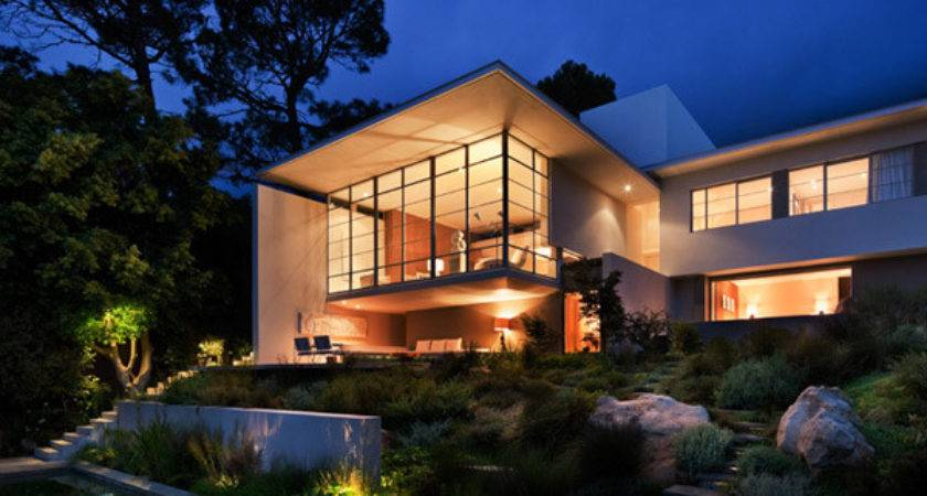 Contemporary South African Architecture Features Local
