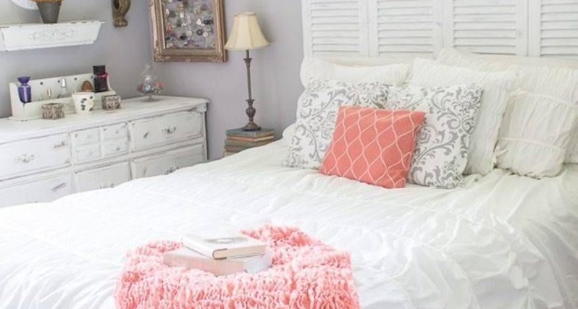 Coral Themed Bedroom Modern Style Home Design Ideas