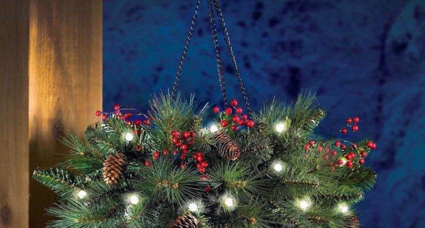 Cordless Hanging Holiday Pinecone Berry Basket