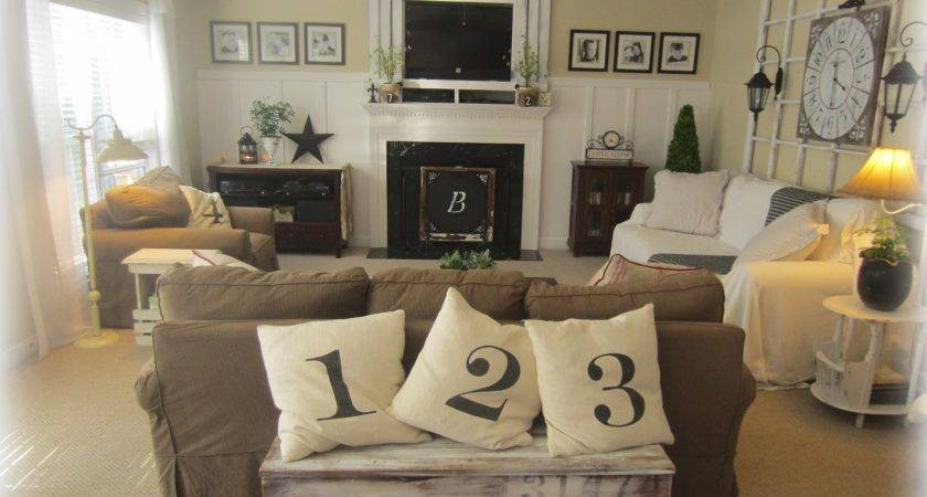 Country Style Living Room Earth Tone Color Paint Wall