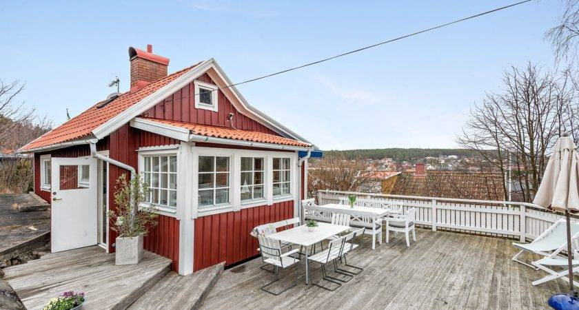 Cozy Cottage Overlooking Sea Sweden Small