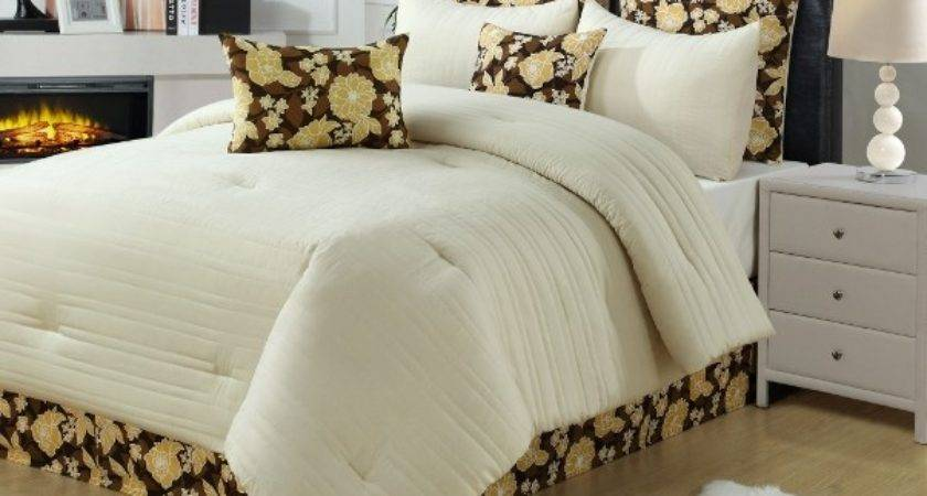 Cream Yellow Brown Channel Quilted Design Comforter