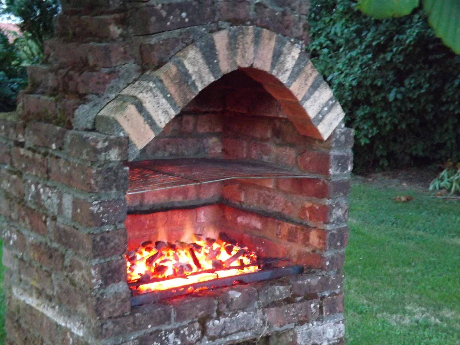 Awesome Brick Built Barbeque Designs 15