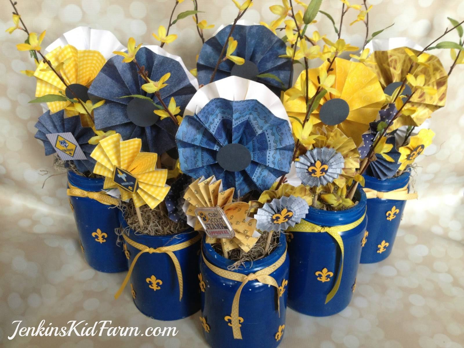 18 Blue And Gold Decorations Ideas