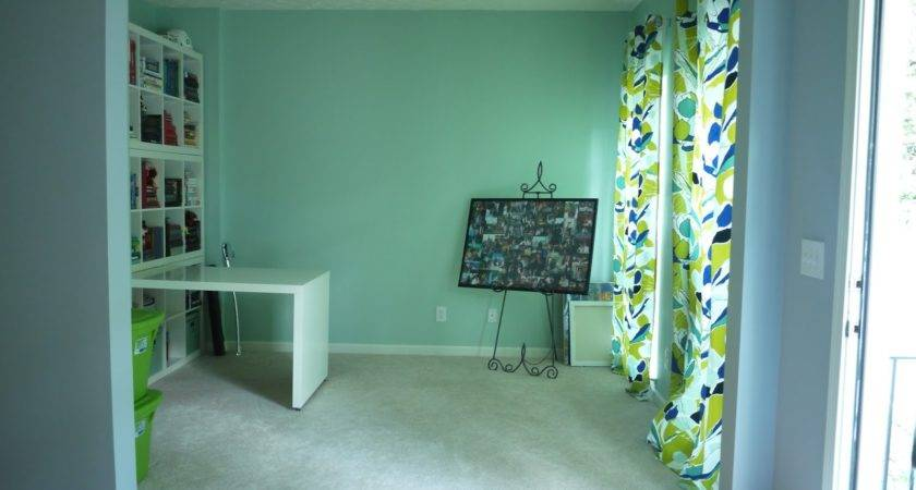 Curtains Color Combination Light Green Wall