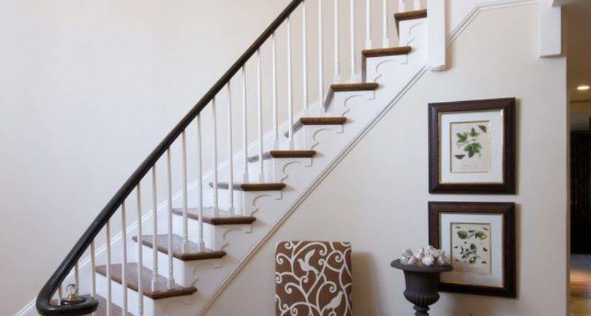 Decorating Foyer Curved Staircase Trgn