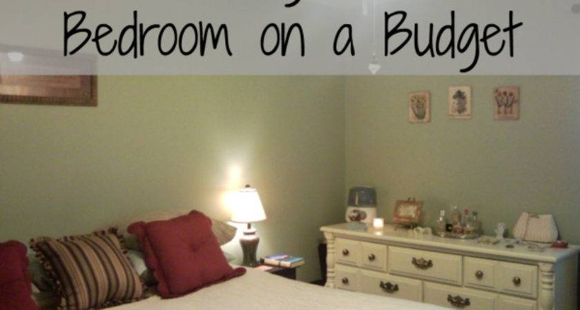 Decorating Small Bedroom Even Smaller Budget