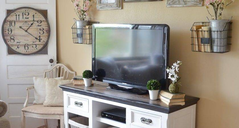 Easy Farmhouse Style Stand Makeover
