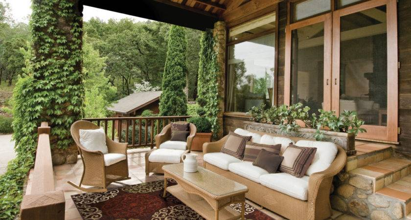 Entertain Style These Outdoor Patio Decorating