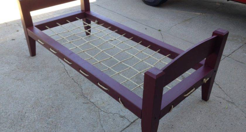Frontier Carpenter Rope Bed