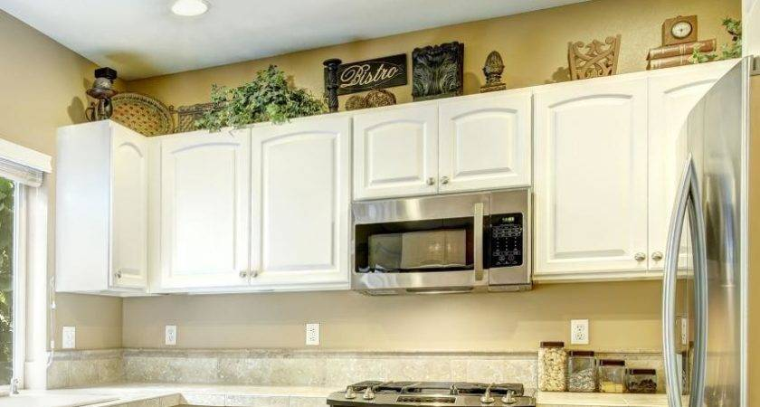 Ideas Decorating Above Kitchen Cabinets Slideshow