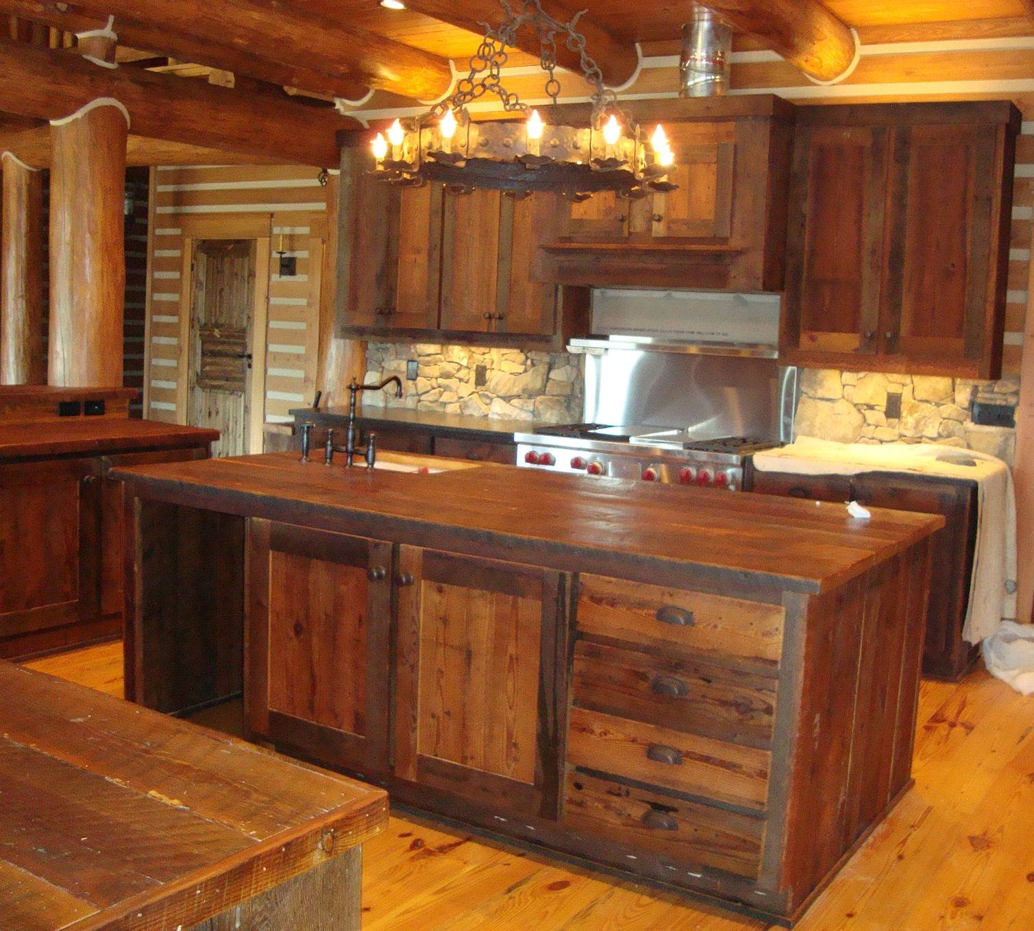 Charming Rustic Kitchen Ideas And Inspirations: Interior Rustic Kitchens Charming Design Ideas
