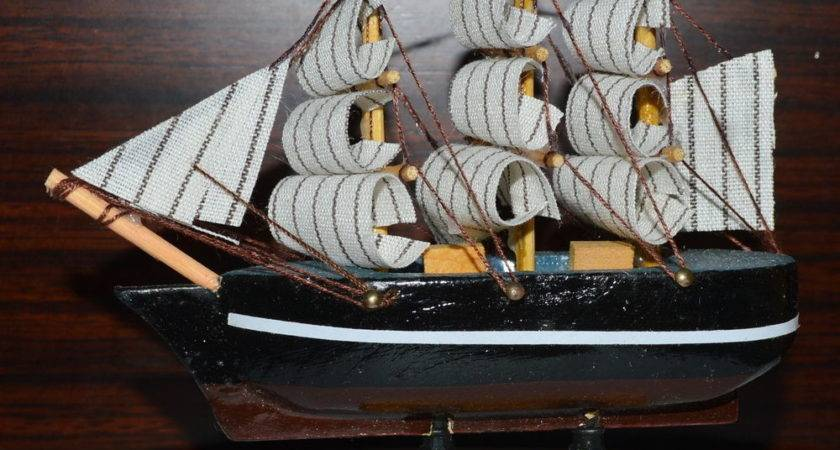 Lovely Vintage Nautical Wooden Wood Ship Sailboat Boat