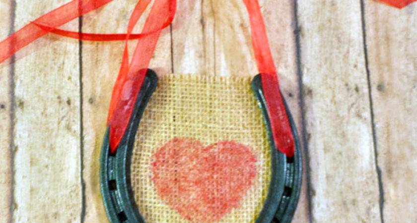 Lucky Love Horseshoe Wall Hanging Srvintageanddesigns