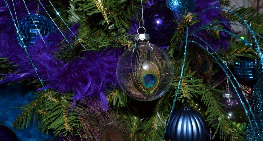 Make Peacock Themed Christmas Tree
