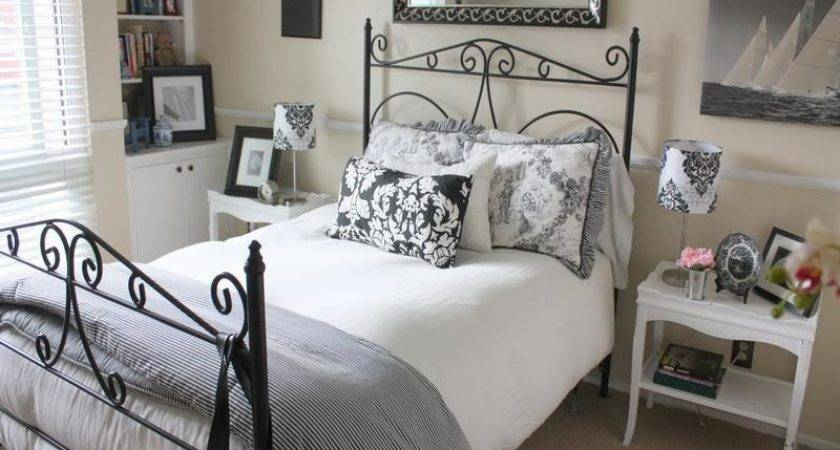 Miscellaneous Small Guest Bedroom Ideas Interior