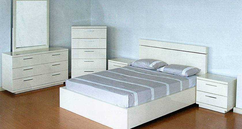 Modern White Lacquer Bedroom Set Contemporary