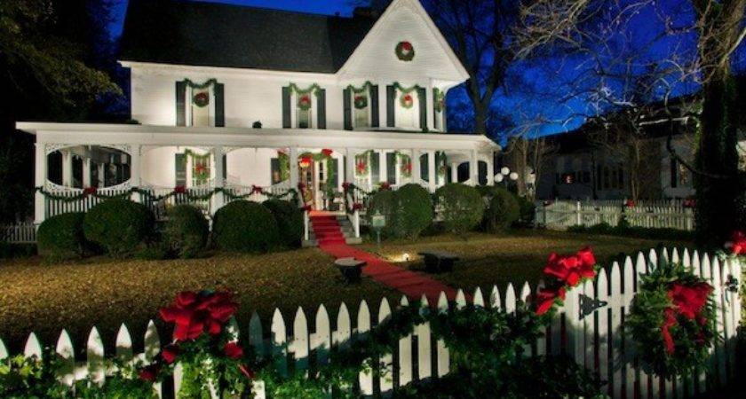 Outdoor Festive Holiday Decor Your Home