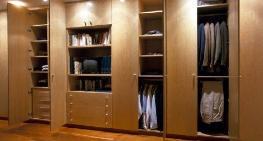 Polyurethane Hinged Built Wardrobe