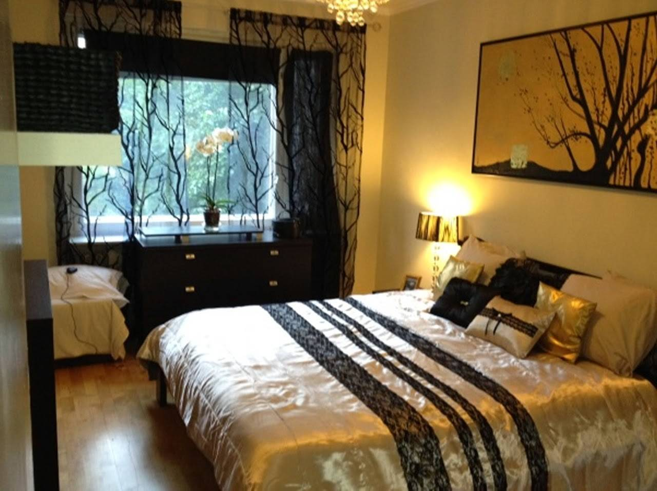 24 Photos And Inspiration Black And Gold Bedroom Designs Homes Decor