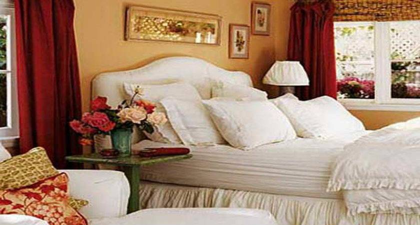 Red Cottage Romantic Bedroom Decorating Ideas