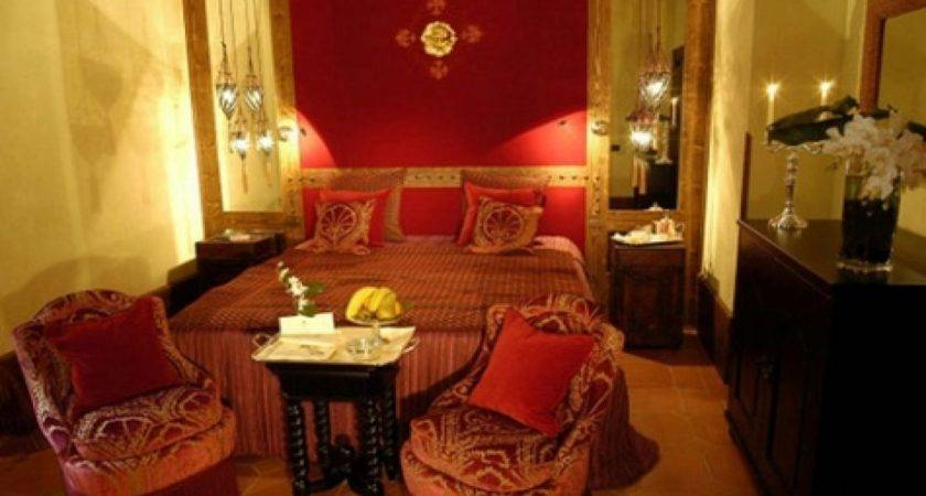 Red Gold Bedroom Ideas