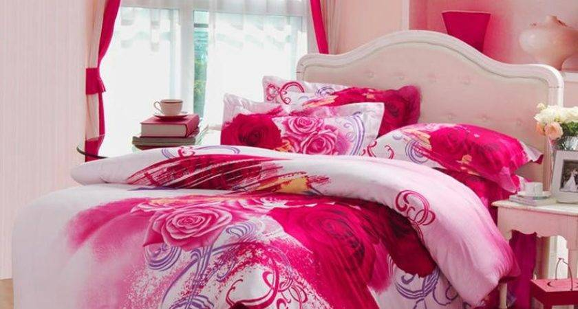 Red White Pink Antique Kumala Rose Pattern Queen