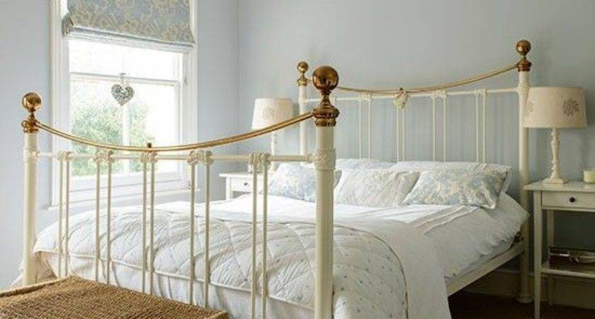 Remarkable Blue Cream Bedroom Decorating Ideas