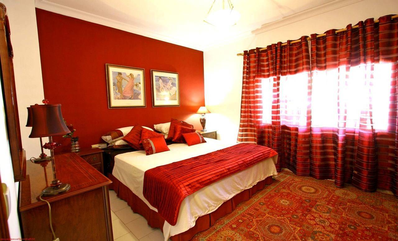 27 Inspiring Red Bedroom Ideas For Couples Photo - Homes Decor