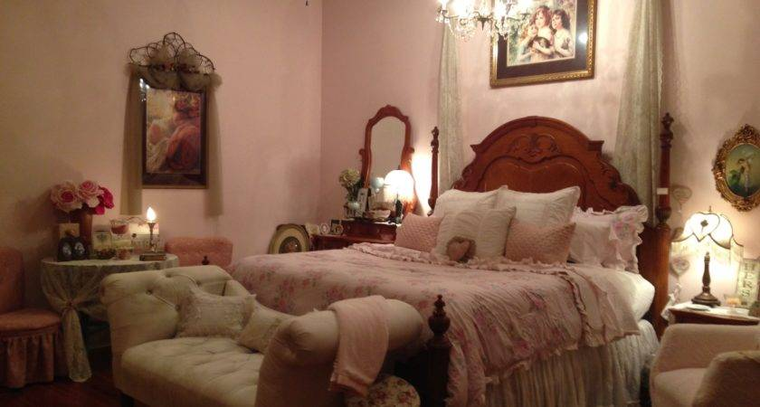 Romantic Plantation Home Amy Country Candles