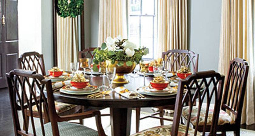Round Dining Room Table Decorating Ideas