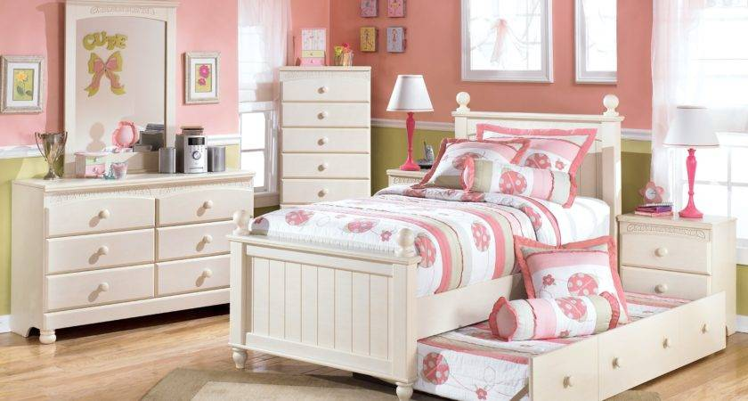Select Girls Bedroom Furniture Right