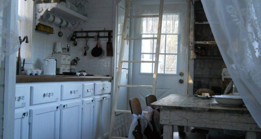 Shabby Chic Tiny Retreat House