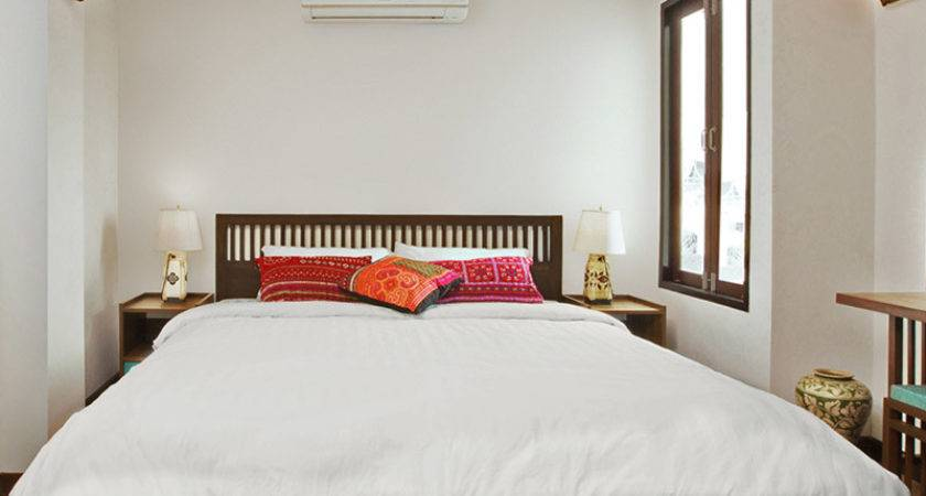 Small Double Room Green Tiger House