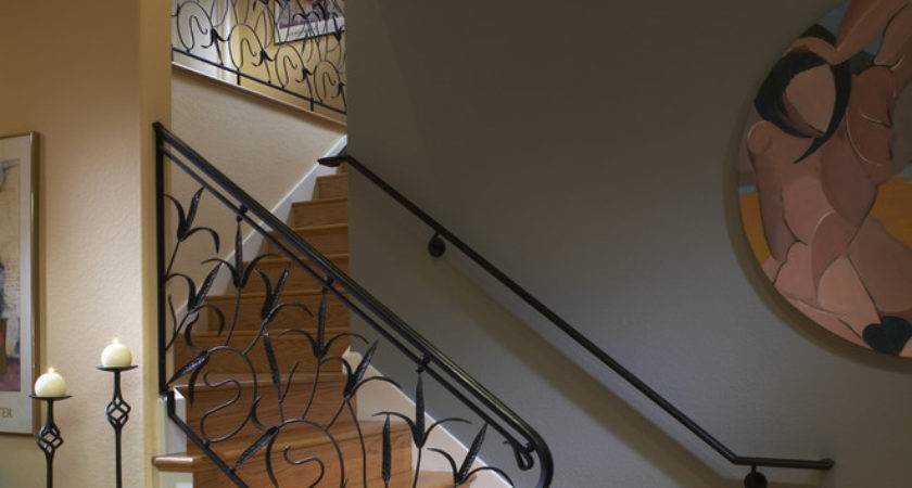 Stupendous Staircase Railing Decorating Ideas