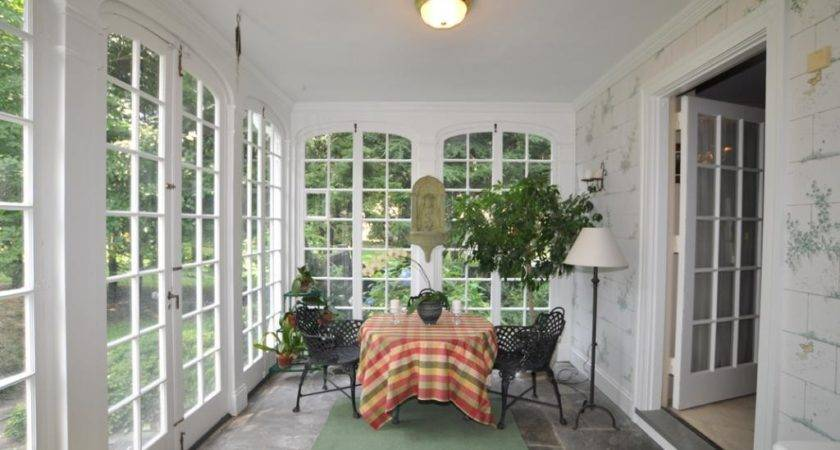 Three Nice Porches Content Cottage