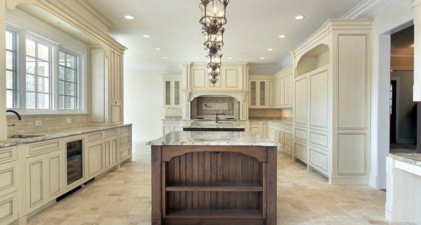 Traditional Two Tone Kitchen Cabinets Design