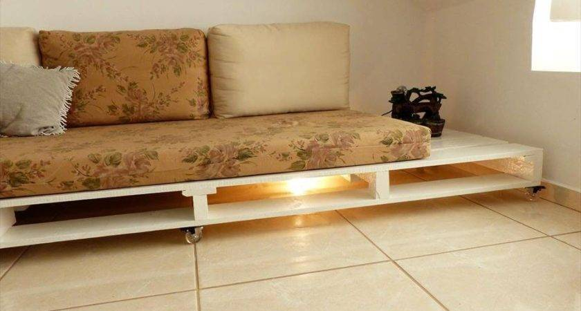 Turn Old Pallets Into Pallet Couch Ideas