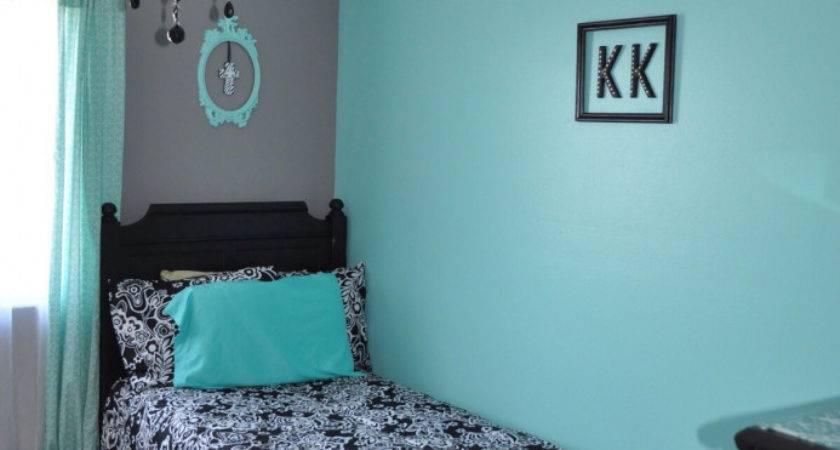Turquoise Black White Bedroom Vintage Inspired