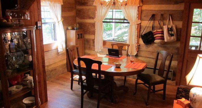 Various Ideas Make Awesome Log Cabin Decor Design