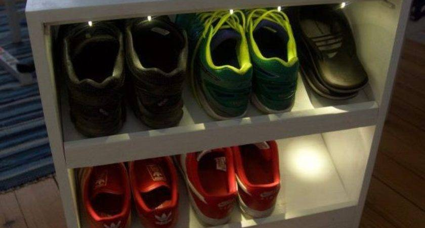Weather Aware Shoe Rack Helps Get Ready Day