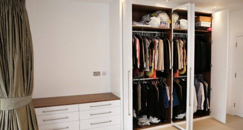 White Contemporary Fitted Wardrobe Bespoke Furniture