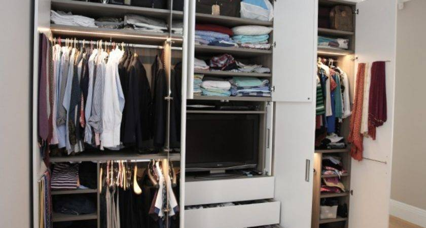 White Wood Contemporary Fitted Wardrobe Bespoke