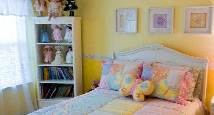 Yellow Girls Bedroom Wall Painting Looks Bright